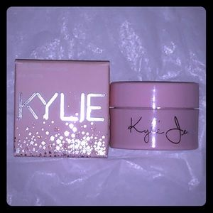 NEW Kylie Cosmetics Ultra Loose Highligher King